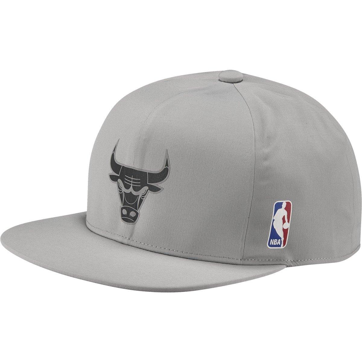 NBA Adidas Chicago Bulls Snapback Berretto - BK7413 Clicca per espandere ... 9b44ee0b075c
